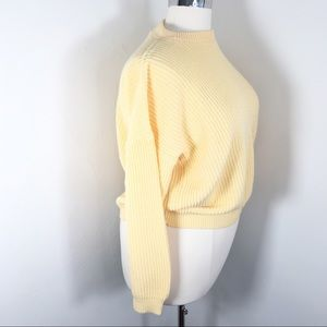 Vintage L 80s sweater 100 acrylic pastel yellow